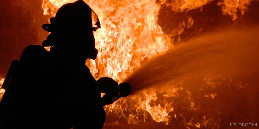 В центре города загорелся пассажирский автобус